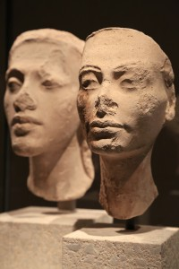Sculptures / Two Egyptian head sculptures - Neues Museum, Berlin