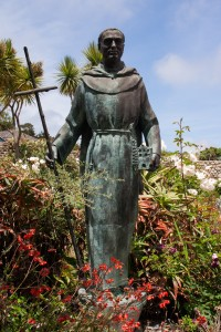 Statue do Padre Junípero Serra, in garden of Carmel Mission, USA