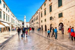 Ruas de mármore, no Centro Histórico de Dubrovnik