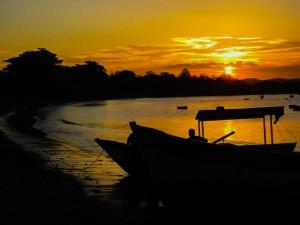 Pôr-do-sol no Porto da Barra, Armação dos Búzios, Rio de Janeiro, Brasil