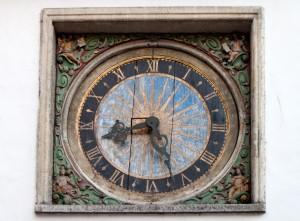 Relógio antigo (1684) da Igreja do Espírito Santo, Tallinn, Estonia.