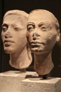 Sculptures / Two Egyptian head sculptures - Neues Museum, Berlin