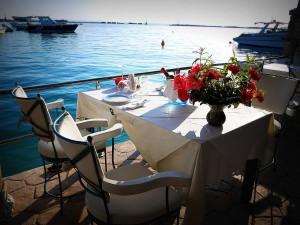Komis Fish Taverna Foto do site da taverna