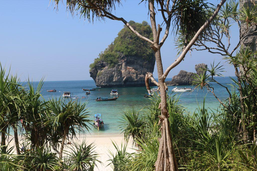 Nui Beach, Phi Phi, Tailândia