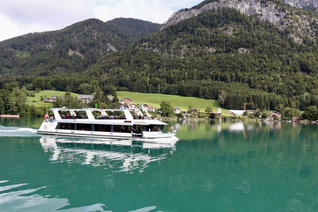 ferry boat in wolfgangsee, Áustria