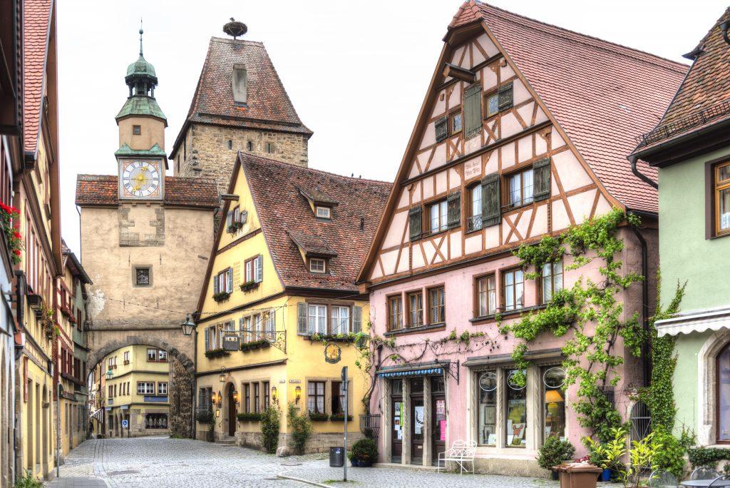 MARKUSTURM, a bonita torre com um relógio do século XII