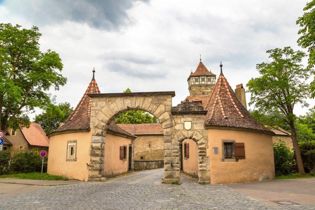 Portão Rödertor de Rothenburg ob der Tauber, Alemanha