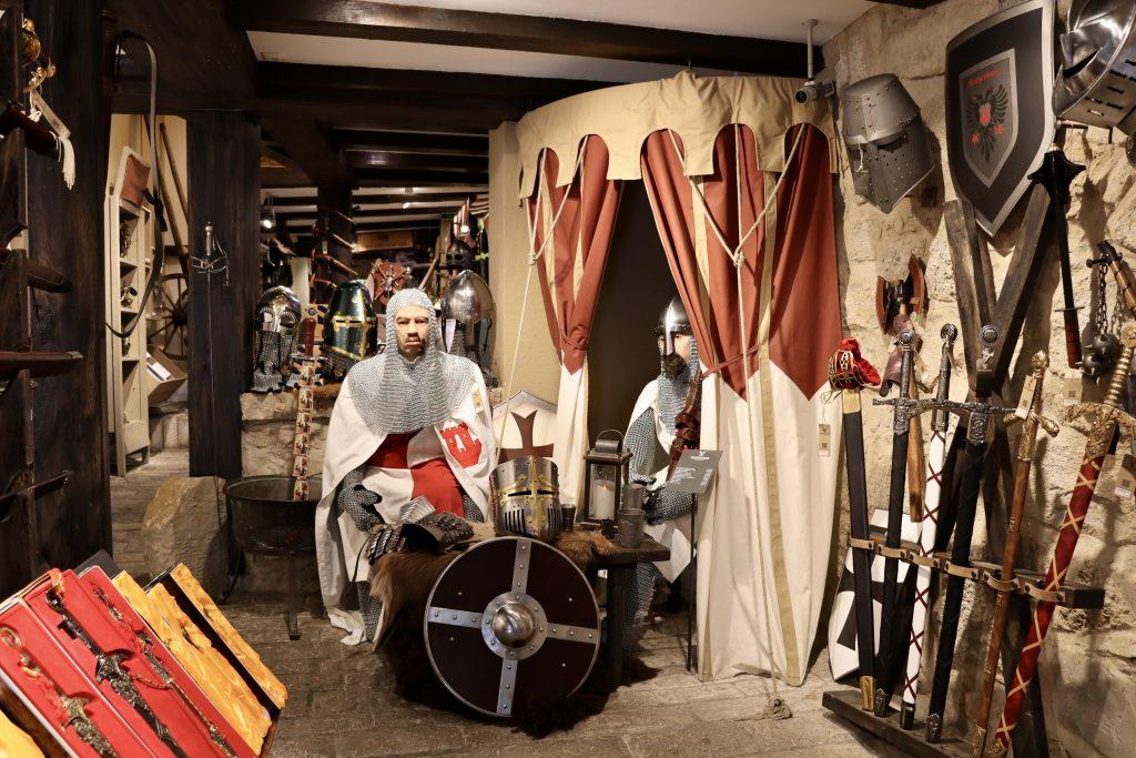 Die Waffenkammer, loja de produtos medievais em Rothenburg ob der Tauber, Alemanha