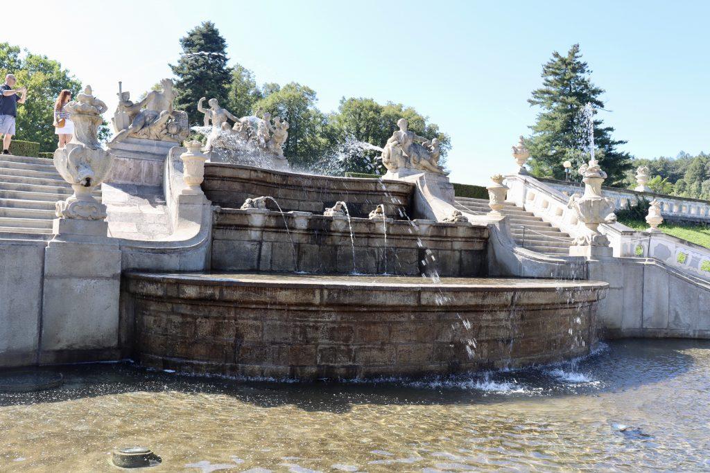 Fonte do jardim do castelo de Cesky Krumlov, República Tcheca