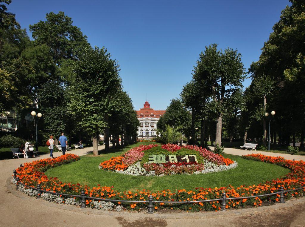 Smetanovy Sady(Parque Smetana), em Karlovy Vary,  República Tcheca